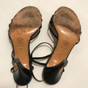 Givenchy Shoes - Givenchy Vintage Leather Bow Heels size 7